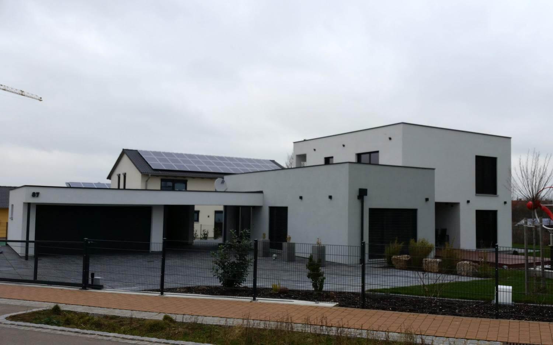 Garage mit carport flachdach  Einfamilienhaus mit Garage und Carport in Uffenheim - EG-Holzhaus.de