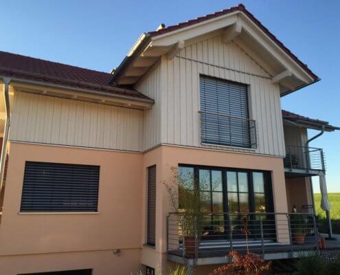 Einfamilienhaus mit Einliegerwohnung im Keller und Doppelgarage in Eglofs im Allgäu
