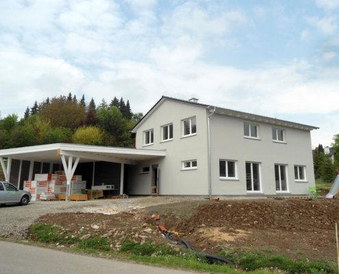 Einfamilienhaus mit Einliegerwohnung und Carport in Trautskirchen