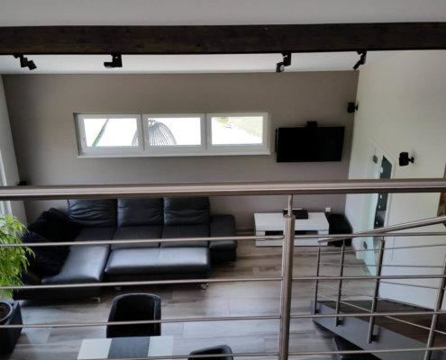Einfamilienhaus mit Fertigteilgarage und Geräteschuppen in Emskirchen