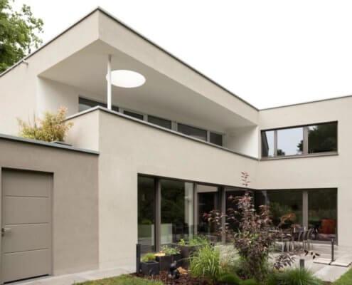 Einfamilienhaus mit Einliegerwohnung und Garage in Fürth