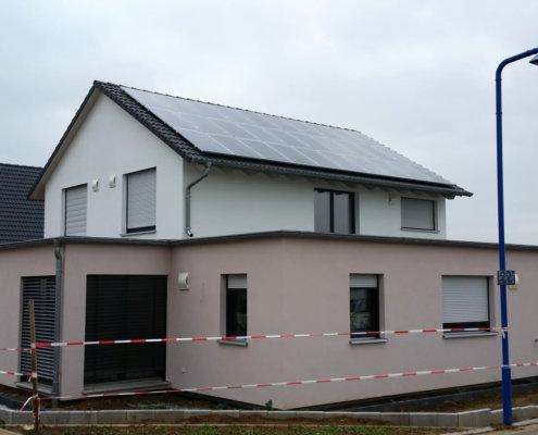 Einfamilienhaus mit Einliegerwohnung im EG und Doppelgarage in Uffenheim
