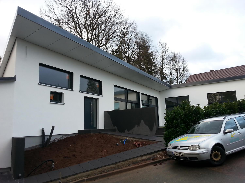 Einfamilienhaus mit doppelgarage in petersaurach eg for Einfamilienhaus mit doppelgarage modern