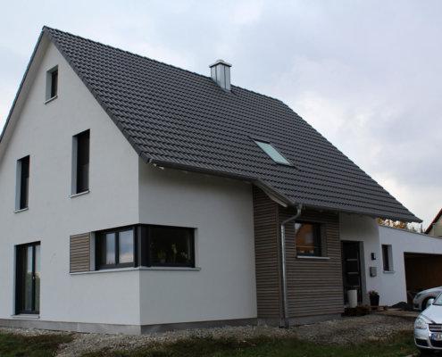 Einfamilienhaus mit Doppelgarage in Flachslanden