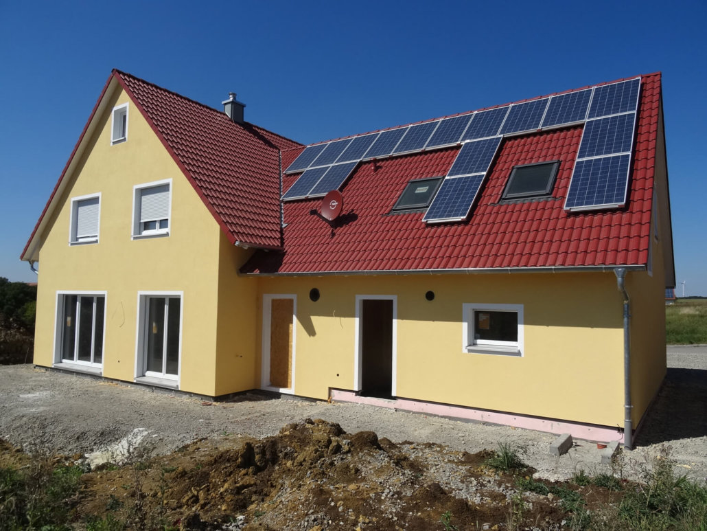 Einfamilienhaus mit einliegerwohnung im dg und garage in for Einfamilienhaus zweifamilienhaus