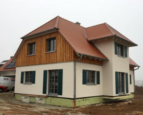 Einfamilienhaus mit Keller und Doppelgarage in Petersaurach