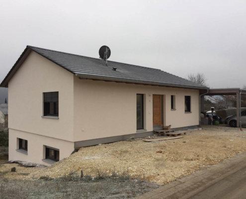 Einfamilienhaus mit Einliegerwohnung und Carport in Eichstätt