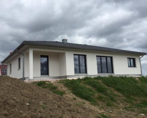 Einfamilienhaus mit Garage in Steinsfeld
