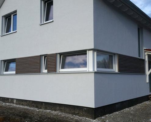 Einfamilienhaus mit Carport und Geräteschuppen in Burgbernheim