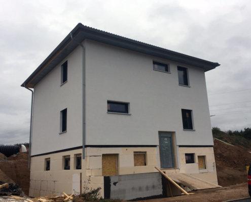 Einfamilienwohnhaus mit Einliegerwohnung im Keller in Etzelskirchen