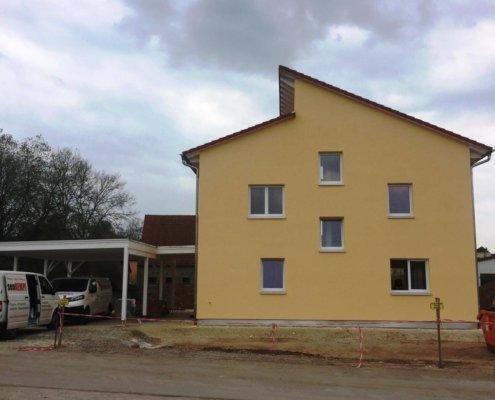 Einfamilienhaus mit Carport und Schuppen in Gutenstetten