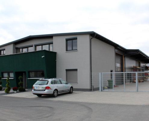Betriebsgebäudes mit Bürogebäude in Höchstadt