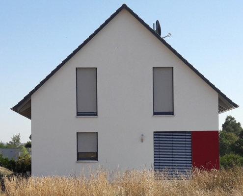 Einfamilienhaus mit Carport und Geräteschuppen in Wallhausen