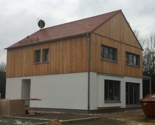 Einfamilienhaus mit Garagen in Henfenfeld