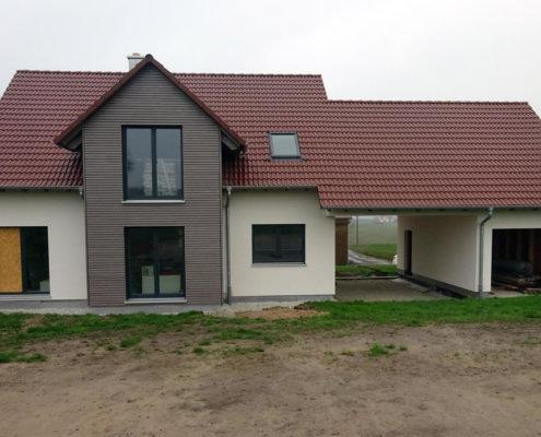 Einfamilienhaus mit Carport und Garage in Aurachtal