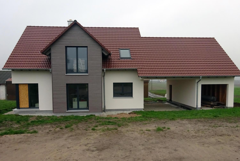 einfamilienhaus mit carport und garage in aurachtal eg. Black Bedroom Furniture Sets. Home Design Ideas