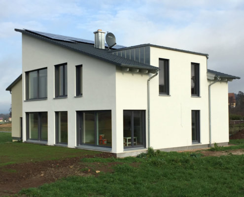 Einfamilienhaus mit Doppelgarage in Sulzfeld