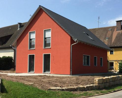 Zweifamilienhaus mit Garage in Dietersheim