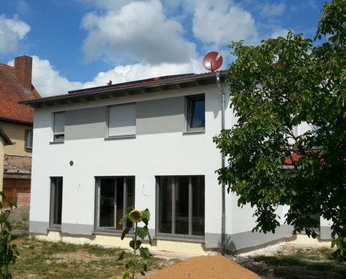 Einfamilienhaus mit Einliegerwohnung in Lehrberg