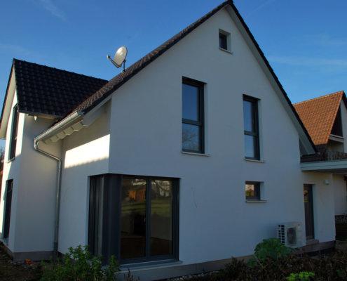 Einfamilienhaus mit Carport und Geräteschuppen in Bad Friedrichshall
