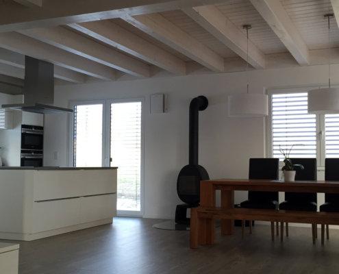 Einfamilienhaus mit Carport und Geräteschuppen in Neustadt a. d. Aisch – OT Unternesselbach