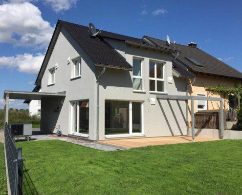 Doppelhaushälfte mit Carport in Ipsheim