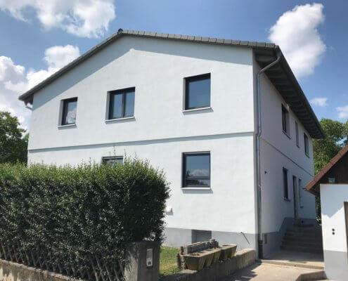 Aufstockung eines Zweifamilienhauses in Burgbernheim