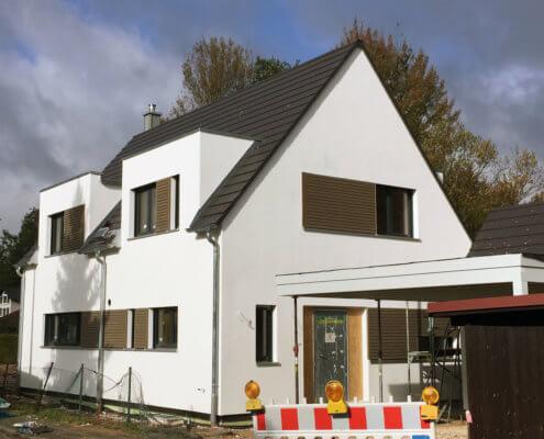 Einfamilienhaus mit Keller und Carport in Schwarzenbruck