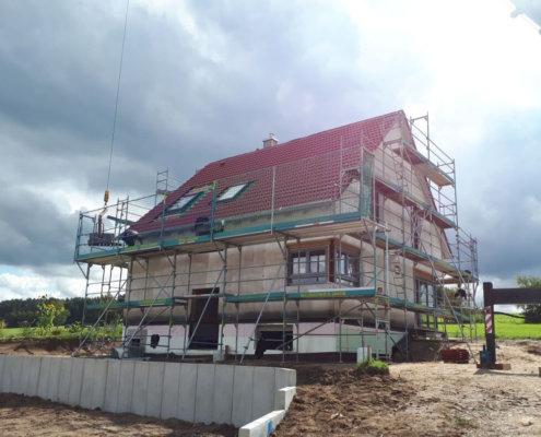 Einfamilienhaus mit Einliegerwohnung und Carport in Eckental