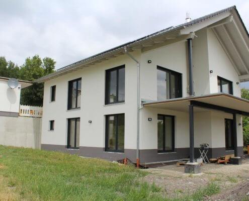 Einfamilienhaus mit Garage in Dietersheim