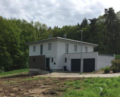 Einfamilienhaus mit Garage in Neustadt a. d. Aisch