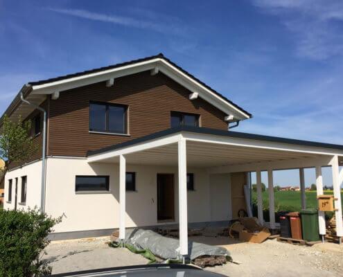 Einfamilienhaus mit Carport und Schuppen in Herrieden