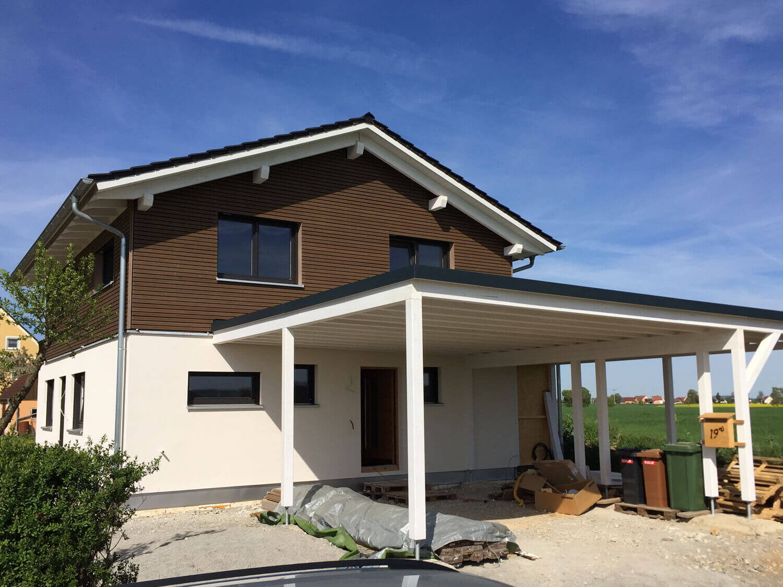 Einfamilienhaus mit Carport und Schuppen in Herrieden - Engelhardt und  Geissbauer