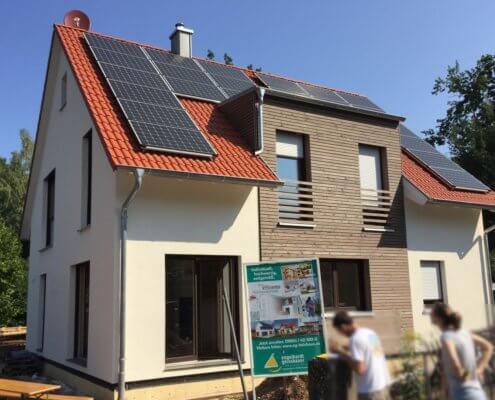 Einfamilienhaus mit Carport und Schuppen in Wendelstein
