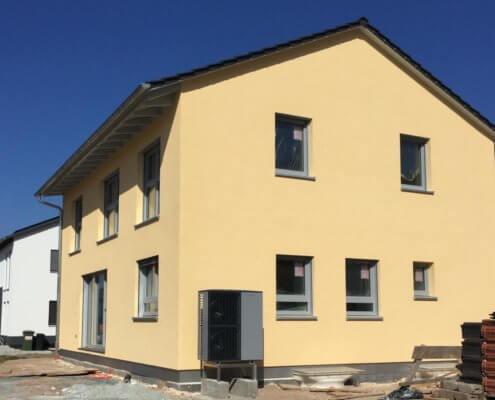 Einfamilienhaus mit Keller und Carport in Baiersdorf