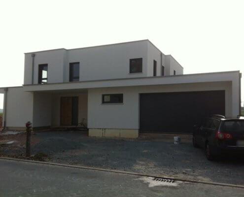 Einfamilienhaus mit Keller und Garage in Mausdorf