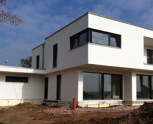 Einfamilienhaus mit Keller und Garage in Mausdorf – Emskirchen