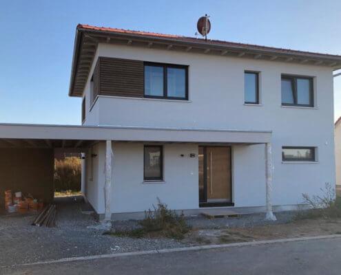 Einfamilienhaus mit Keller, Carport und Schuppen in Wolframs-Eschenbach