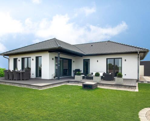 Einfamilienhaus als Bungalow mit Carport in Bad Windsheim