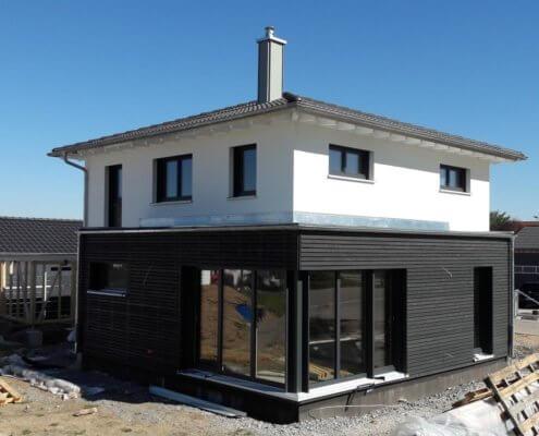 Einfamilienhaus mit Carport und Garage in Markt Erlbach