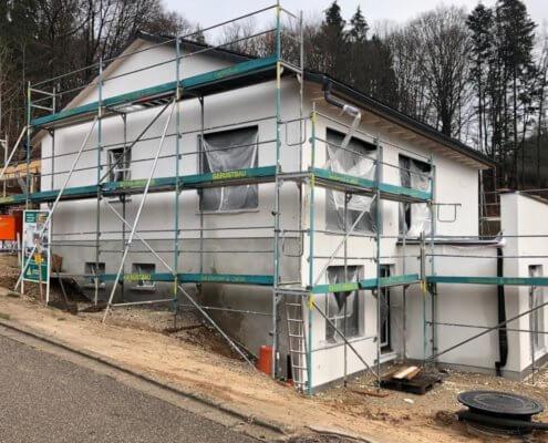 Einfamilienhaus mit Carport und Schuppen in Burgthann