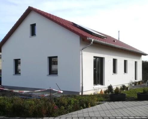 Einfamilienhaus mit Carport in Burgbernheim
