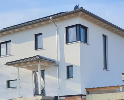 Einfamilienhaus mit Keller und Doppelgarage in Bronnamberg