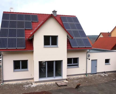 Einfamilienhaus mit Garage in Neuhof a.d. Zenn