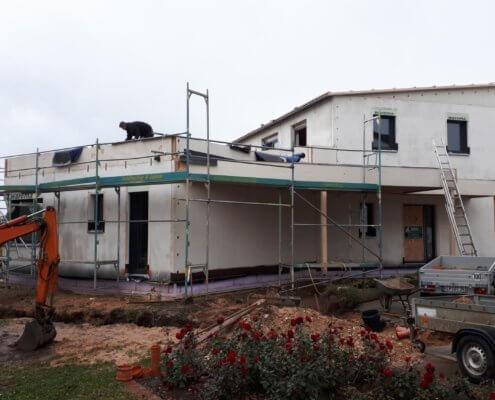 Mehrfamilienhaus mit Garagen und Carport in Hilpoltstein