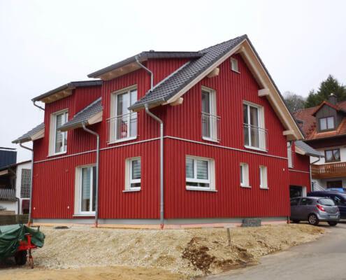 Einfamilienhaus mit Einliegerwohnung und Garage in Burgthann