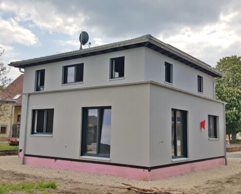 Einfamilienhaus mit Carport in Kaubenheim