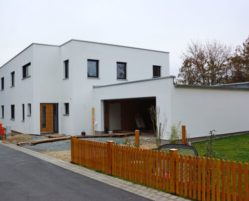 Einfamilienhaus mit Einliegerwohnung in Oberasbach