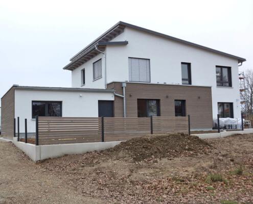 Zweifamilienhaus mit Garage in Stein