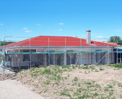 Einfamilienhaus als Bungalow mit Carport in Mitteldachstetten